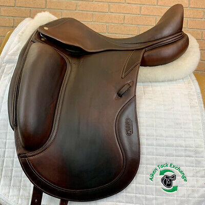$ CDN4146.15 • Buy 2010 CWD SE05 Monoflap Dressage Saddle 18  Seat, 4L Flap Wide Tree Foam Panels