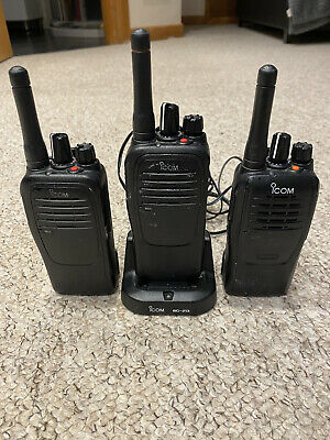 Two Way Radios / Walkie Talkie X 3 With Charger American Military Grade. • 125£