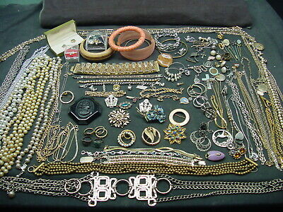 $ CDN25.88 • Buy Large Vintage Jewelry  Lot  Some Signed