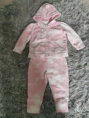 £4 • Buy Baby Girl GAP Tracksuit Age 18-24 Months