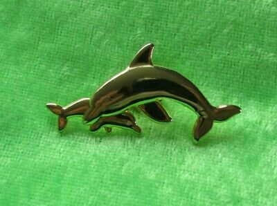 £0.99 • Buy 🐬Dolphin With Baby Pin Badge🐬