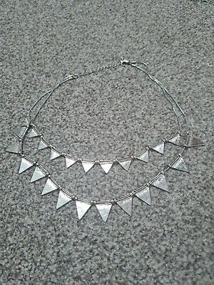 £1.20 • Buy Lovely Pretty Oasis Silver Coloured Choker Necklace