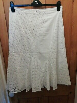 £6 • Buy White Embroidery Anglaise A-line Skirt From Per Una Size 14r Godet Panels