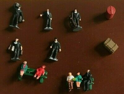 £8.95 • Buy N Gauge People Figures Work Men Two Benches Painted For Railway Station Layout