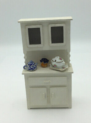 £4.50 • Buy Dolls House Kitchen Cabinet With Accessories