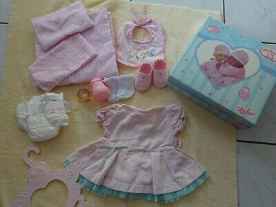 £25 • Buy Baby Annabell Box Of Assorted Items Dress Bottle Shoes Bedding Bib Nappy 18in