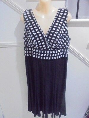 AU18.99 • Buy QUEENSPARK SIZE 14 Stunning Black White DRESS Perfect For A Special Occasion