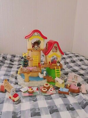 £35 • Buy Sylvanian Families Decorated Tree House