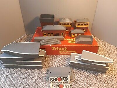 £35 • Buy Vintage Triang OO Station Platforms And Buildings