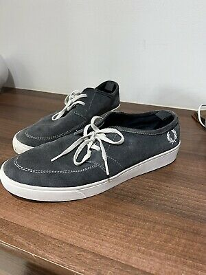 £5 • Buy Blue/grey Fred Perry Shoes. Size 9