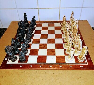 £19.95 • Buy ' LORD OF THE RINGS ' Chess Set With Wooden Board.