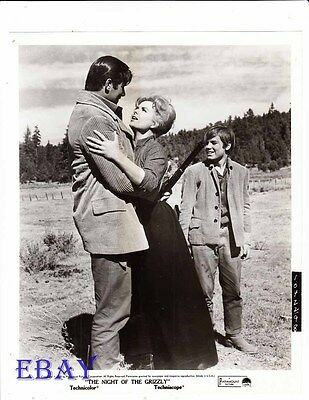 $36 • Buy Clint Walker Night Of The Grizzly VINTAGE Photo