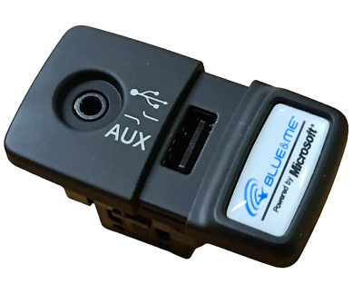 Fiat 500 Panda Punto Blue And Me USB Media Player AUX Socket Genuine 735547937 • 47.89£