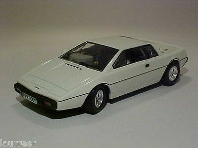 $ CDN19.11 • Buy 4 INCH Lotus Esprit 1976 Universal Hobbies 1/43 Diecast Mint Loose