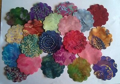 Batik Scalloped Flowers Fabric Scraps Pack Remnants Patchwork Bundle 100%cotton • 2.10£