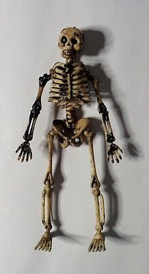 $4 • Buy Halloween Skeleton - Realistic Look For Your Dollhouse Or Miniature Display!