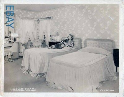 $ CDN132.75 • Buy Madeline Carroll At Home VINTAGE Photo