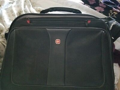 Swiss Laptop Bag With A New 4gb Thumb Drive! • 18.01£