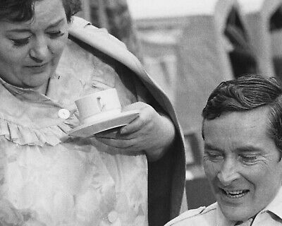 £3.50 • Buy Charles Hawtrey / Hattie Jaques Carry On 10  X 8  Photograph