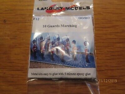 LANGLEY MODELS F12 10 Guards Marching  00/HO    ~, • 9£