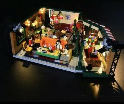 $64.99 • Buy Friends Central Perk Cafe Set 21319 1070 Pcs US Seller Authentic IN STOCK