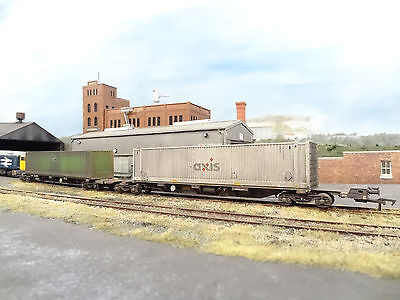 Dapol Gbrf Fea Spine Wagon & Container Load (lineside Weathered) B740a  • 64.99£