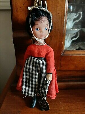 8  Vintage Costume Doll By REXARD • 9£