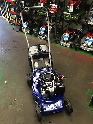 AU299 • Buy Victa 18  Classic Cut Demo Lawn Mower Briggs & Stratton 4 Stroke 2 YEAR WARRANTY