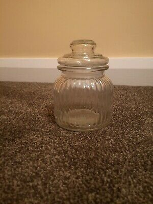 Jars Round Small With Lids X8 • 13£