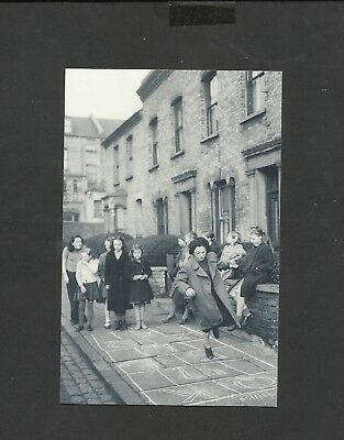 £1.99 • Buy Nostalgia Postcard  Children Playing Hopscotch In The Street  1950