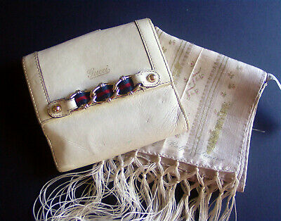 $59.99 • Buy Auth Vintage Gucci Ivory Leather Logo/ribbon Accent Bi-fold Wallet- Italy -charm