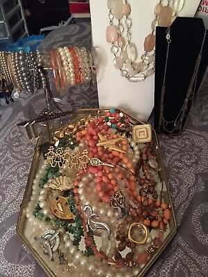 $ CDN19.07 • Buy Beautiful Vintage Mixed Lot Of Jewelry Some Signed