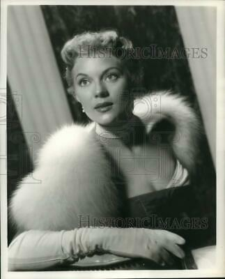 $ CDN22.70 • Buy 1955 Press Photo Peggie Castle Acts In A Scene From  Tall Man Riding