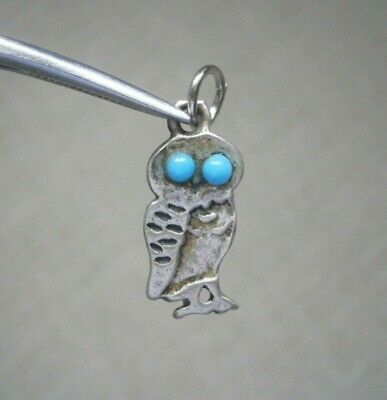 Vintage Small Flat 950 Silver Owl With Blue Glass Gem Eyes Charm Pendant • 4.50£