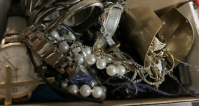 $ CDN5 • Buy Jewelry Lot Unsearched Mens Womens Costume Vintage Now *5 Pc Free Shipping (can)