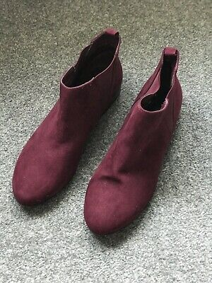 Ladies Boots Size 7 Burgundy Suede • 5£