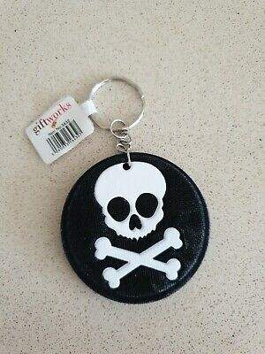 KEY RING - SKULL AND CROSSBONES Black & White NEW With Tags • 0.99£