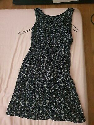 Navy Floral Dress Size 16 With Pockets • 3.20£