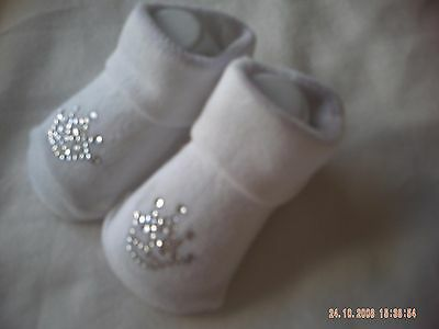 One Pair Of White Baby Socks With A Diamante Pattern Size 0-6 Months.  • 1.75£