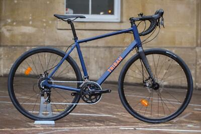 Triban RC120 Road Bike With Carbon Forks Disc Brakes • 360£