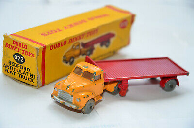 Dublo Dinky Bedford Artic Flat Truck. Boxed. Vehicle Has Some Paint Chips.  • 18£
