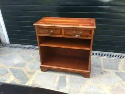 Yew Cabinet • 20£