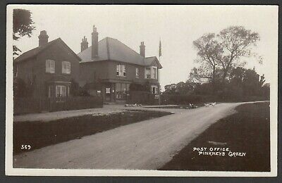 £19.99 • Buy Postcard Pinkneys Green Nr Maidenhead Berkshire Chickens By Post Office Early RP
