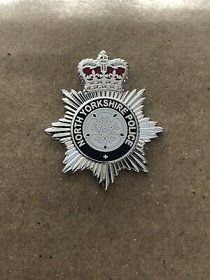 North Yorkshire Police Pin Badge / 25mm Lapel Badge • 4.29£