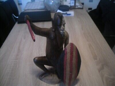 11  Carved Wooden African Figure • 1.99£