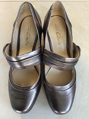 Ladies Clarks Bronze Leather Shoes Size 4 Standard Fit • 4.99£