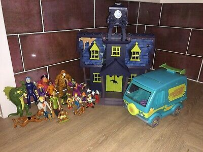 Scooby Doo Haunted Mansion, Mystery Machine And Figures Bundle  • 55£