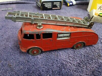 Dinky Toys 955 Fire Engine With Ladders • 4.99£