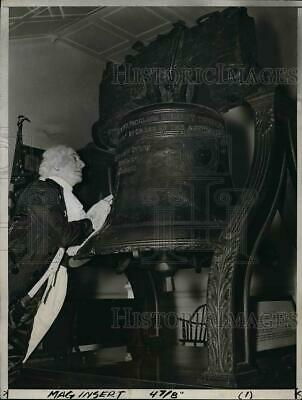 $ CDN24.25 • Buy 1937 Press Photo Barney Sherry Of Philadelphia Playing George Washington