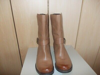 Clarks Tan Leather Boots Size 7.5 UK • 20£